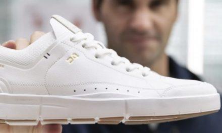 La nuit dehors pour des chaussures Roger Federer