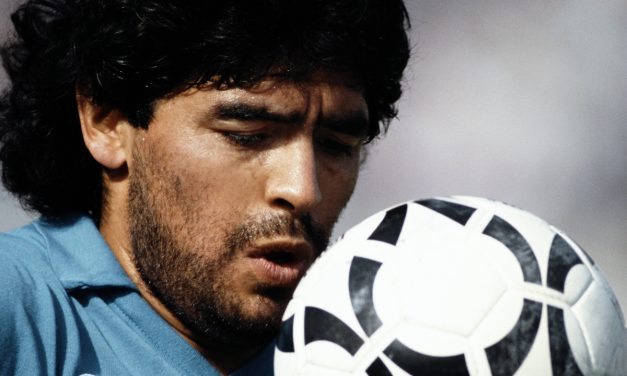 Maradona, la légende du football, est mort à 60 ans